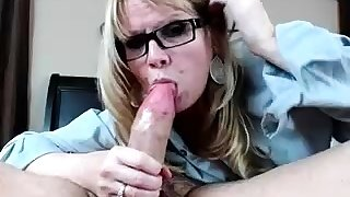 Amateur Comme ci With BIG BOOBS Hot Free Cam Show
