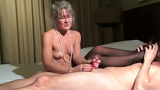 Best amateur Mature, Handjob xxx movie