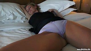 Horny fuck with sleeping Mom