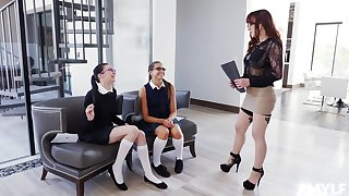 Cytherea and Marley Brinx enjoy a threesome with one everywhere lesbian