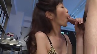 Sinful prima donna sara yurikawa caresses box