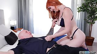 Eye catching redhead Lauren Phillips is so secure riding sloppy cock