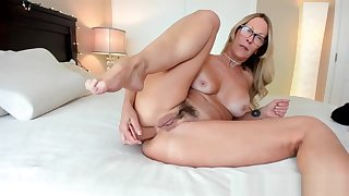 The Woes Of A Camgirl Milf Jess Ryan Gets Shivered in the sky Chaturbate