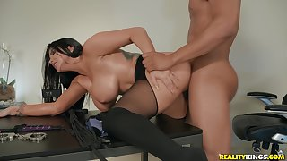Busty adult widely applicable cheats with her boss to hand the tryst