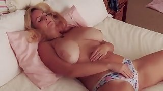 Fuck this hottie has some nice big tits increased by she makes me want to titty bonk her