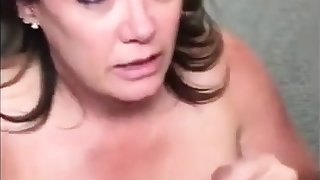 Amazing Mature unreserved gives her mouth for two suite